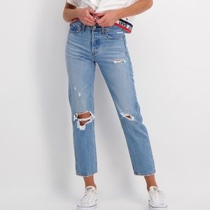 New LEVI'S Wedgie Straight Jean